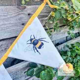 Single Bee Bunting